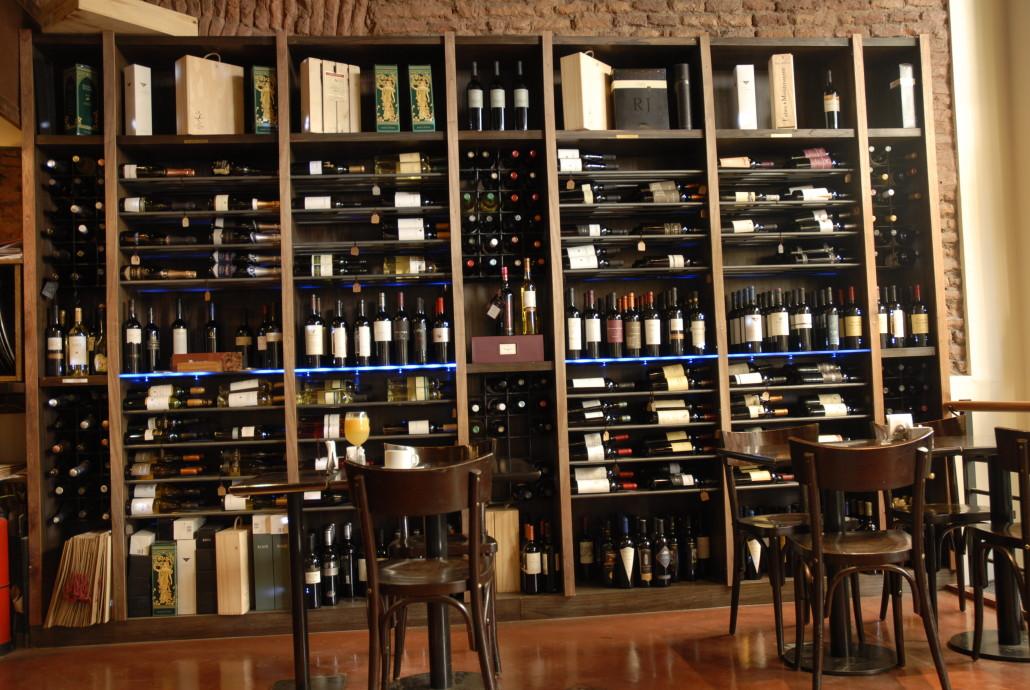 Vinoteca en san telmo conoce la mejor vinoteca de buenos - Como montar una vinoteca ...